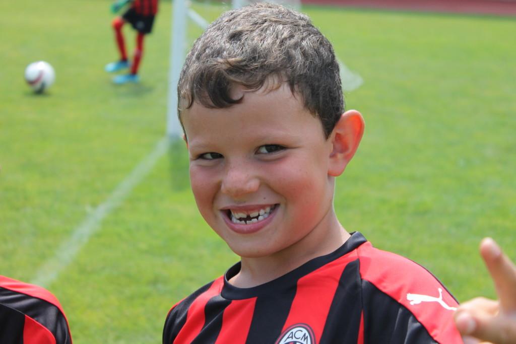 Iscriviti ai Milan Junior camp! Subito per te il PUMA welcome kit